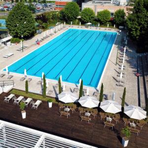 Vista dall'alto della piscina Living Place